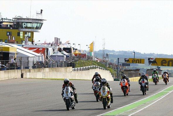 Für die Piloten des ADAC Junior Cup beginnt die Schlussphase der Saison 2013