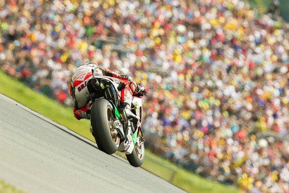 Trotz prall gefüllter Ränge sind viele Fahrer keine Fans des Sachsenrings