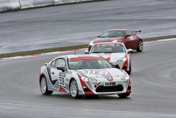 Toyota Swiss Racing will zumindest einen Podestplatz auf dem Nürburgring. - Foto: TMG