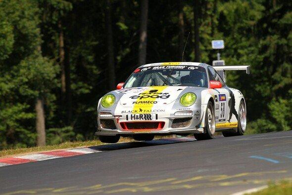 Tim Scheerbarth startet auch 2014 im Black-Falcon-Porsche