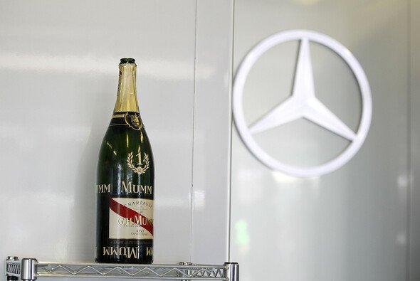 Lowe erwartet weitere Mercedes-Siege