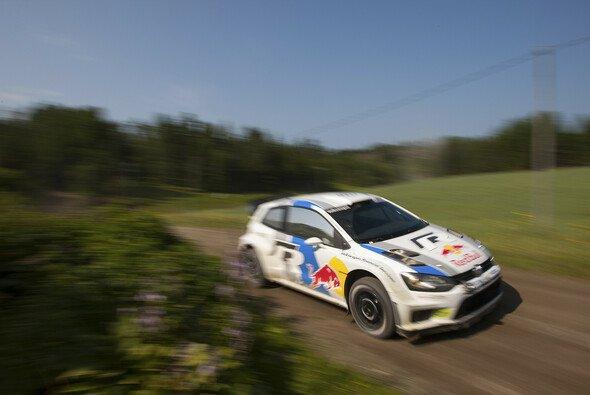 Volkswagen startet die Rallye Finnland mit guten Trainingszeiten am Mittwoch.
