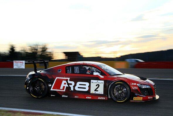 Der Audi R8 LMS ultra Chris Mies´ in der Abendsonne der Ardennen