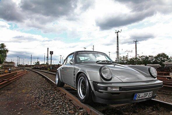 Zum Jahrestag erhielt der Porsche 911 Sleeper eine vollständige Verwandlung. - Foto: mirandamedia