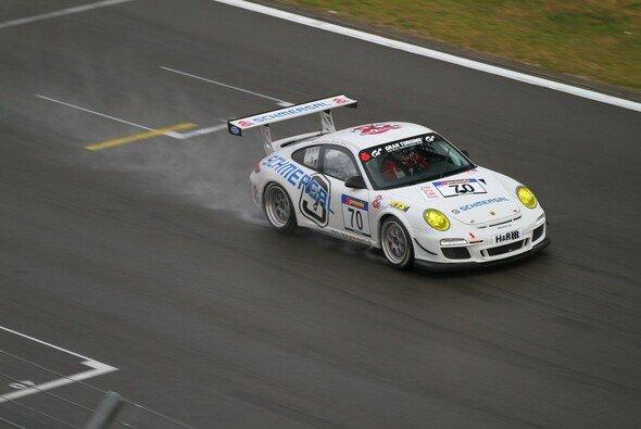 Der race&event-Porsche erreichte als Klassen-Sechster das Ziel