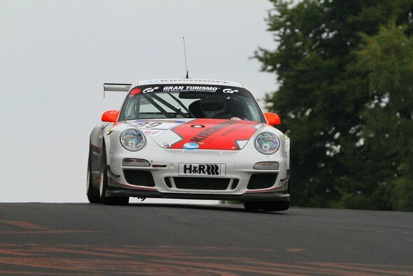 Der Porsche vom PoLe Racing Team erreichte endlich das Ziel