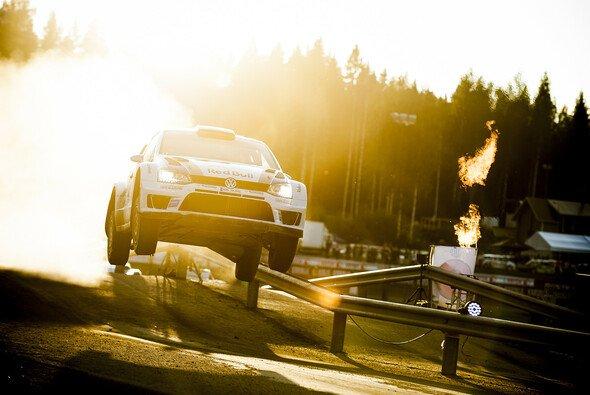Für Sebastien Ogier ist der Weltmeisteritel ein Schritt, auf den weitere folgen müssen - Foto: Red Bull