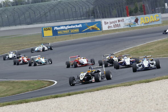 3 Rennen - 34 Positionsgewinne - 3 Podiums - 1 Sieg: Marvins Lausitzring-Bilanz