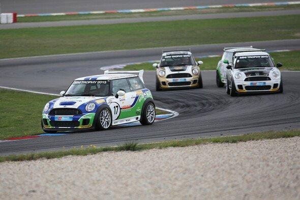 Thomas Tekaat feierte auf dem Lausitzring einen Doppelerfolg - Foto: MINI Trophy