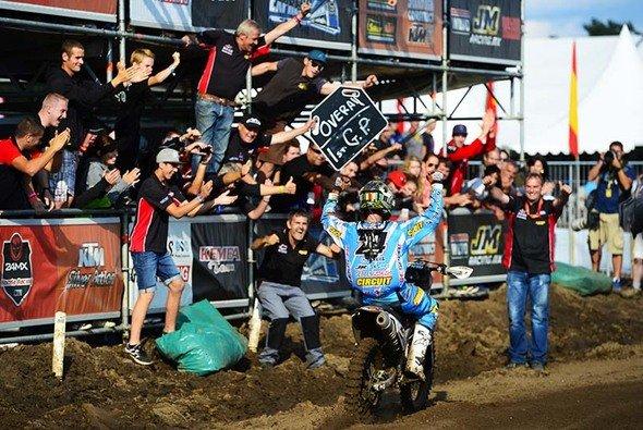 Shaun Simpson feiert einen umjubelten Sieg - Foto: Youthstream