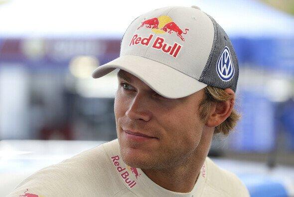 Andreas Mikkelsen erlaubte sich einen kleinen Scherz - Foto: Volkswagen Motorsport