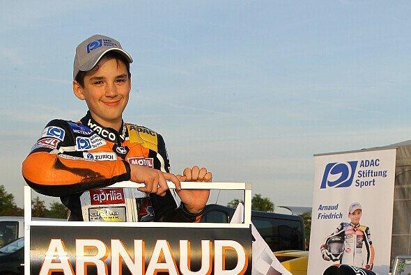 Arnaud Friedrich sichert sich die Krone im ADAC Junior Cup 2013
