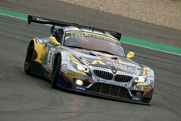 Ein BMW Z4 GT3 des Marc-VDS-Teams auf dem Nürburgring