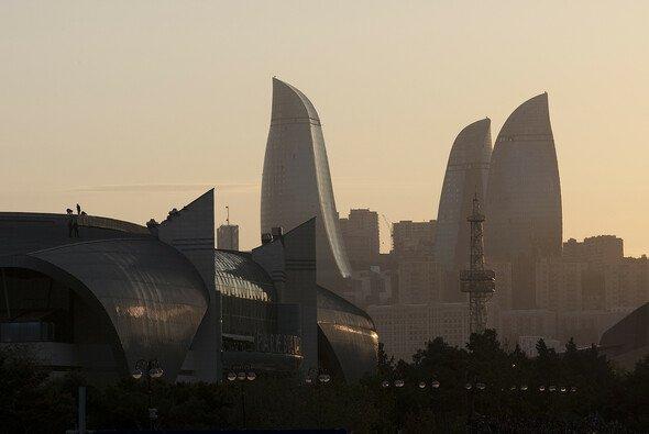 Ein noch unbefahrener Straßenkurs im Herzen Bakus will bezwungen werden - Foto: City Challenge GmbH