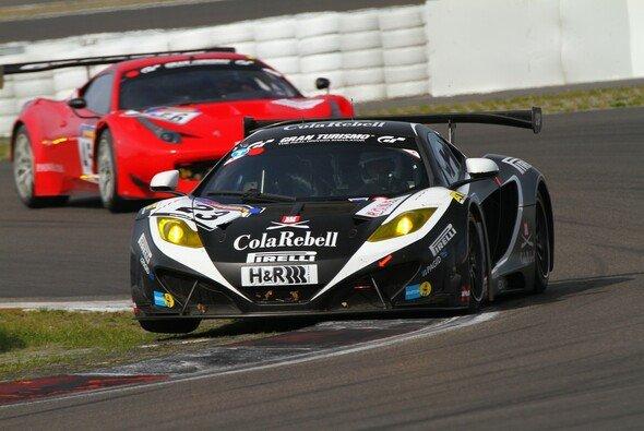 Der McLaren erreichte nicht nur das Ziel, sondern auch das Podest
