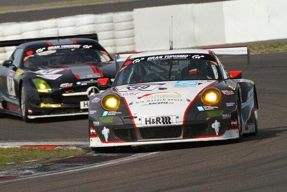 Jochen Krumbach startete erneut in zwei Manthey-Porsche - mit und ohne Erfolg