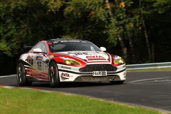 Der AVIA-Aston war beim siebten VLN-Lauf erneut erfolgreich