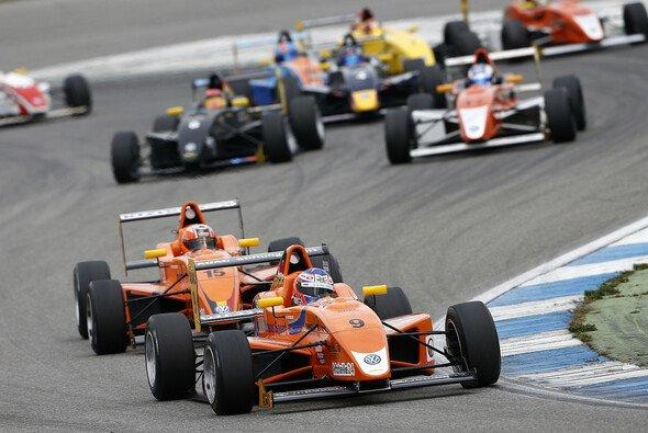 Mücke Motorsport gewann 2013 sowohl Fahrer- als auch Teammeisterschaft
