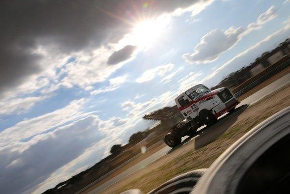 Ellen Lohr berichtet bei Motorsport-Magazin.com von ihren Erlebnissen in der Truck EM - Foto: Ellen Lohr