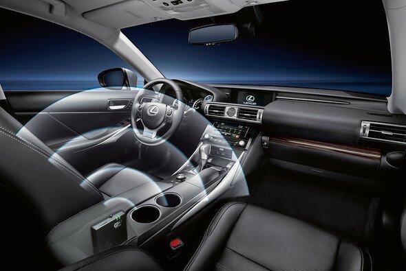 Eine Hotspot Nachrüstung ist für die Lexus Modelle CT, IS, GS und RX verfügbar und der Preis liegt bei 320 Euro.