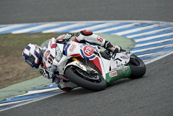 Leon Haslam will spätestens im ersten Rennen 2014 wieder uneingeschränkt Gas geben können.