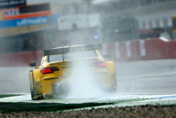 Der Regen machte die Strategie spannend - Foto: DTM