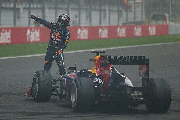 Sebastian Vettels Burnout kostet Red Bull 25.000 Euro - Foto: Red Bull