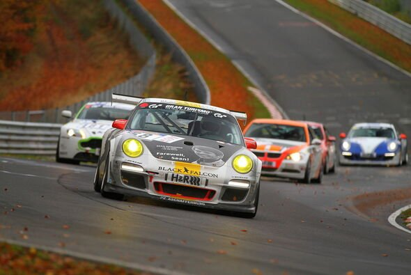 Black Falcon brachte beide Cup-Porsche in die Top-Ten