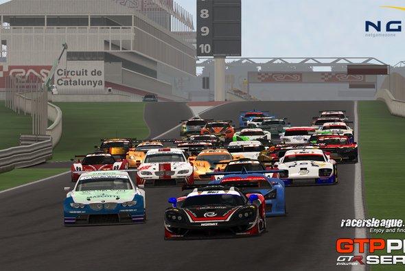 Die GTP Pro Series wird sich in Suzuka zum fünften Mal in die erste Kurve stürzen - Foto: Racersleague