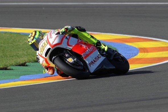 Andrea Iannone setzte seine Ducati am ersten Testtag in Valencia auf Platz vier.