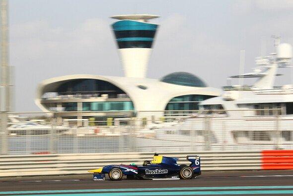 Marvin Kirchhöfer testete in Abu Dhabi für MW Arden und RUSSIAN TIME