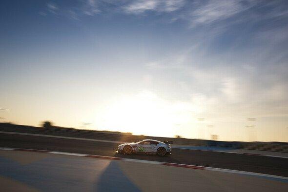 Bruno Senna muss sich bezüglich 2014 noch gedulden - Foto: Aston Martin