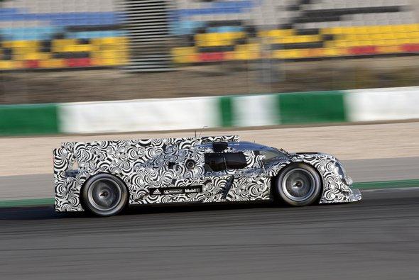 Mark Webber drehte in Portugal seine ersten Runden im Porsche-LMP1