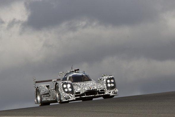 Porsches LMP1-Bolide bei Erprobungsfahrten an der Algarveküste