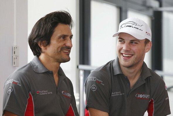 Laurens Vanthoor (rechts) im Gespräch mit FIA-GT-Kollege Stéphane Ortelli