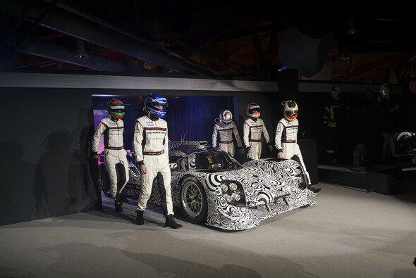 Der 919 Hybrid im Rahmen der Vorstellung des Porsche-Motorsportprogramms 2014