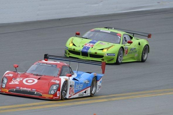 Volles Haus beim Daytona-Test, und das waren noch gar nicht alle... - Foto: IMSA