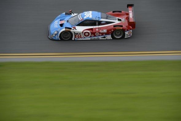 Zu schnell im Oval: Die IMSA bremst die Daytona Prototypen ein - Foto: IMSA