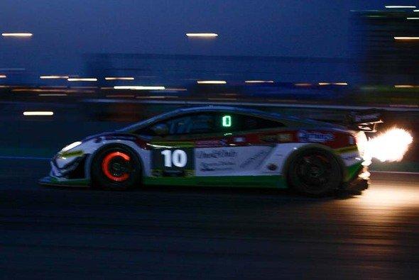 Der Reiter-Lamborghini Gallardo vom Team Leipert Motorsport sorgte für reichlich Action - Foto: Reiter Engineering