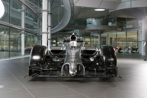 Der neue McLaren MP4-29 zeigt die bislang uneleganteste Nasen-Lösung
