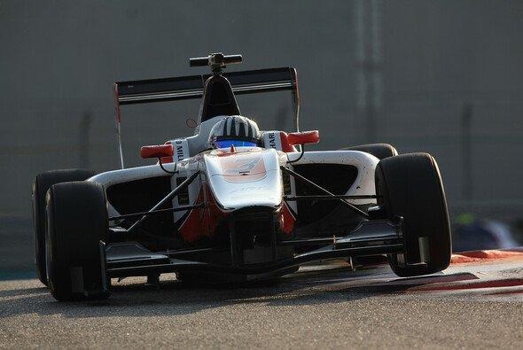 Fontana bei Testfahrten in Abu Dhabi - Foto: LAT Photographic
