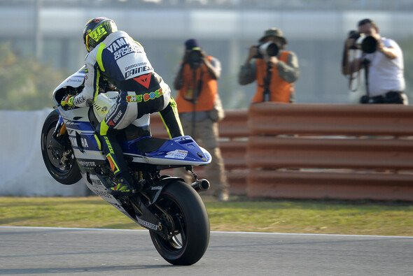 Die MSM-User glauben, dass Altmeister Valentino Rossi dieses Jahr noch oft Grund zu Freuden-Wheelies hat