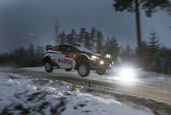 Robert Kubica fühlt sich auf Schnee noch nicht wirklich wohl - Foto: Ford
