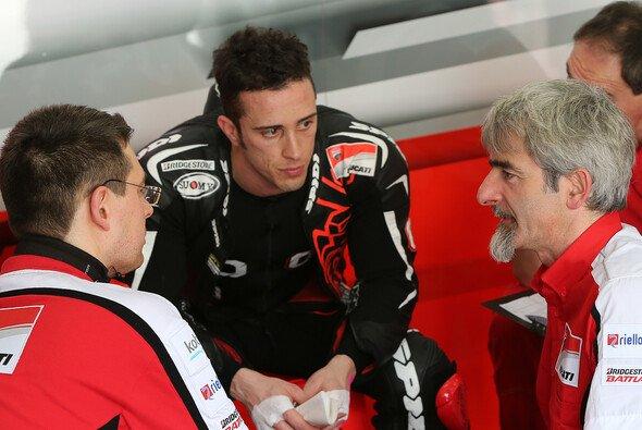 In der Ducati-Box gibt es eine Menge zu besprechen