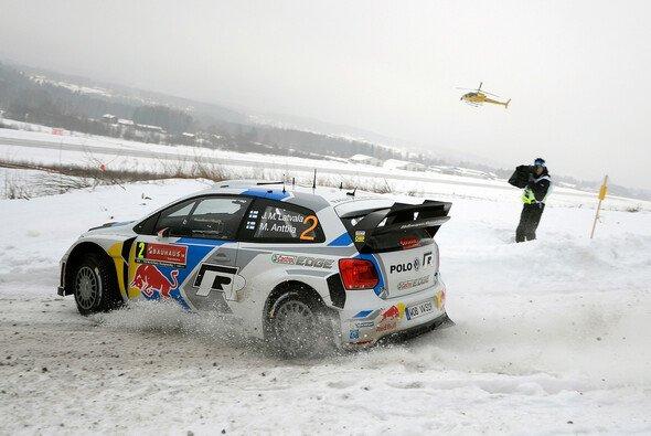 Jari-Matti Latvala liegt weiterhin an der Spitze