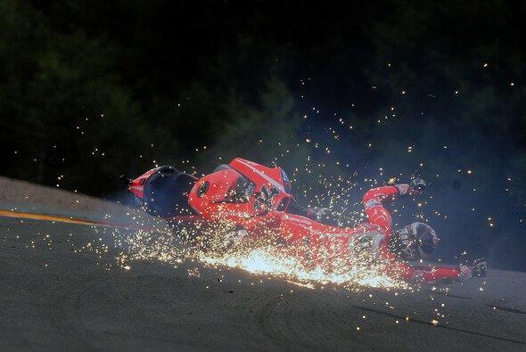 Unter anderem erwischte es im Vorjahr Andrea Dovizioso in Turn 11 - Foto: Milagro