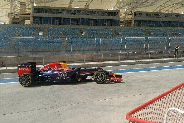 Red Bull hängt einen Tag in der Wüste an
