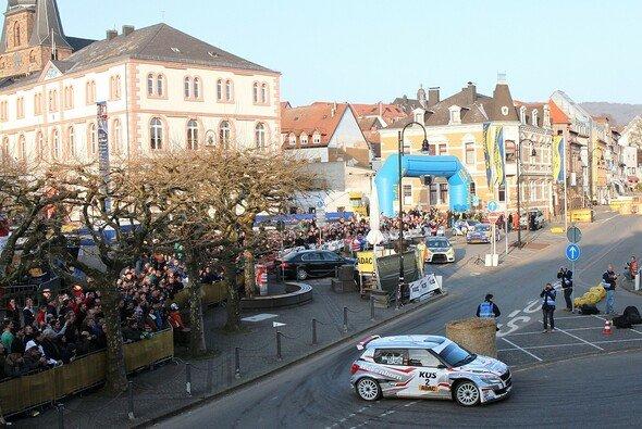 Große Kulisse: Wie beim Saisonauftakt gibt es auch bei der ADAC Wikinger-Rallye einen spektakulären Stadtrundkurs