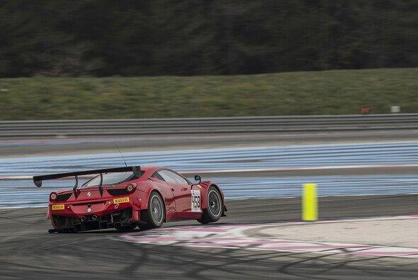 Einer der beiden GT-Corse-Ferrari bei den SRO-Testfahrten in Le Castellet