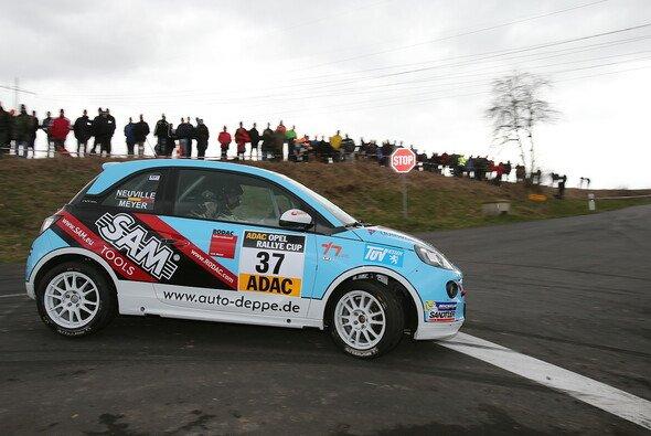 Die Neuen setzen erste Ausrufezeichen im ADAC Opel Rallye Cup